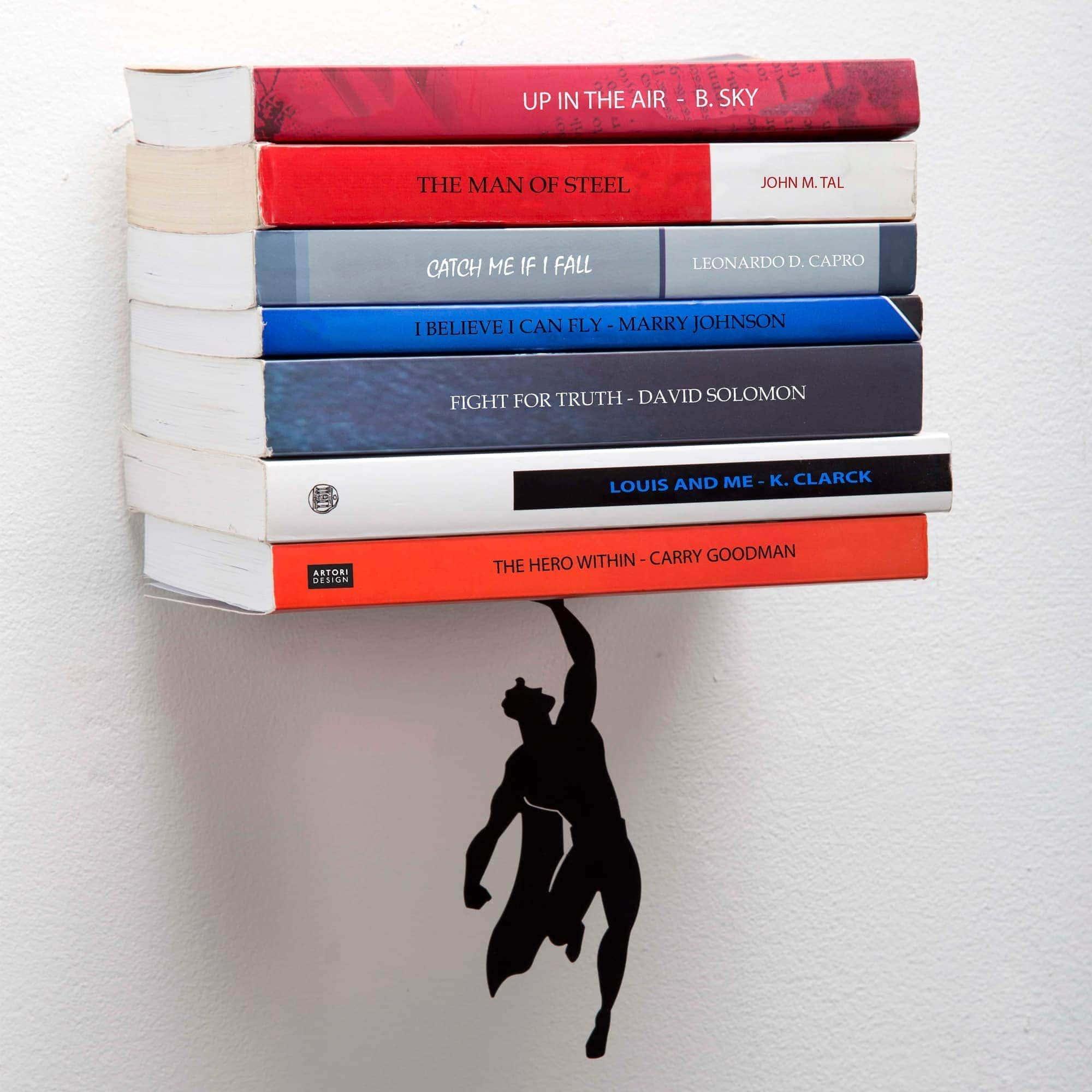 סופרשלף - מדף ספרים נסתר גיבור על