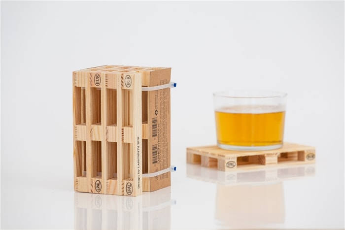 Palette-It - Set of 4 Coasters shaped like palettes